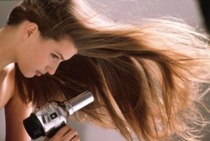 как придать объем тонким волосам феном