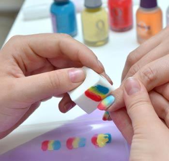 как накрасить ногти двумя цветами фото