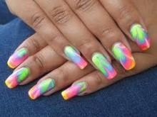 как накрасить ногти двумя и более цветами фото
