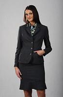 женский костюм в деловом стиле