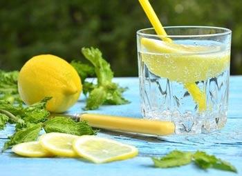 напиток с лимонным соком