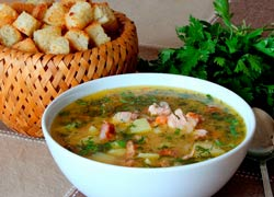 Как быстро и просто приготовить гороховый суп с копченостями